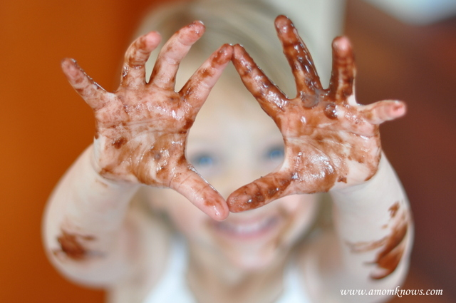 10 Tips for Less Frustration and Mess Free Fun A Mom Knows : Beautiful Messy Hands from www.amomknows.com size 640 x 425 jpeg 124kB