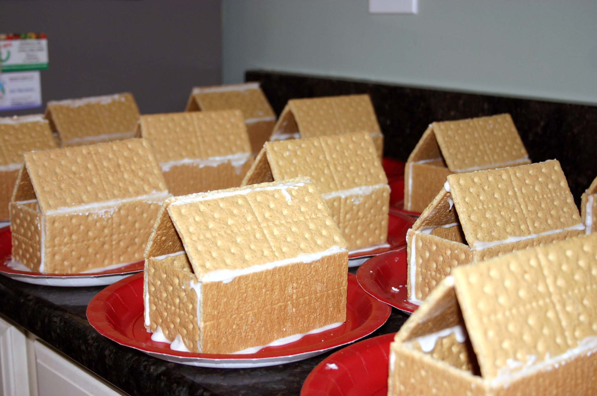Classroom Party Ideas For Christmas ~ Gingerbread houses at christmas classroom party a mom knows